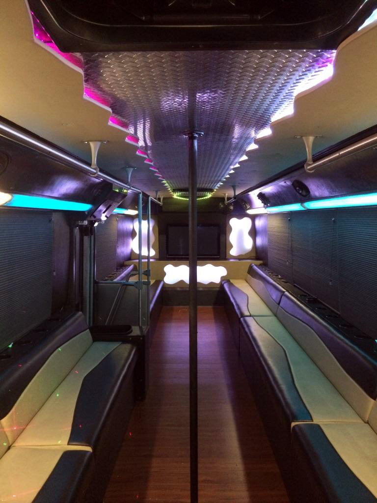 hot-atl-party-bus-interior-001