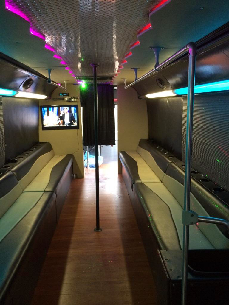 hot-atl-party-bus-interior-003